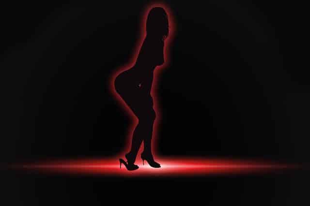 femme strip tease