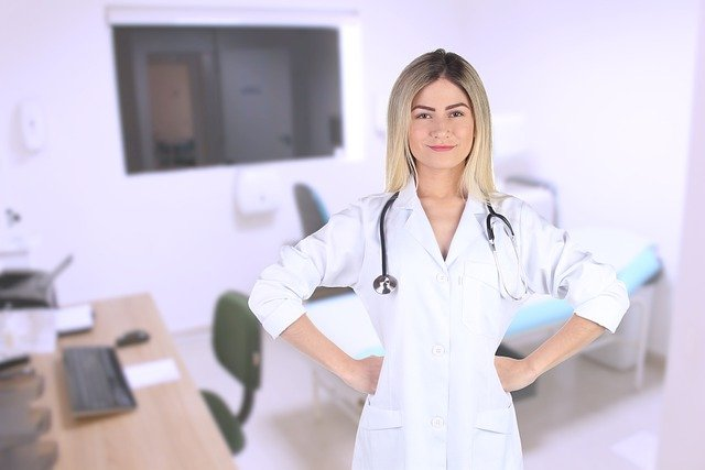 femme pharmacienne bien payée